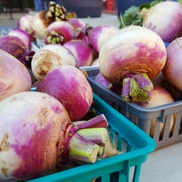 Count down to the final Des Moines Downtown Farmers' Market of 2016