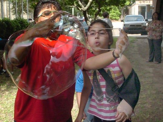 IMG_bubbles.jpg_1_1_ET7TFT7F.jpg_20140710.jpg