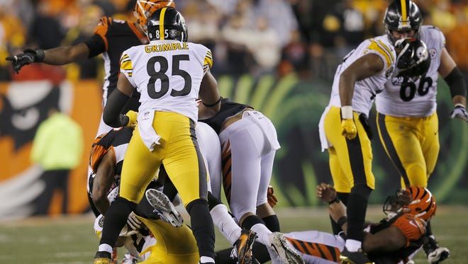 Pittsburgh Steelers wide receiver JuJu Smith-Schuster was suspended one game for this it and taunt of Bengals linebacker Vontaze Burfict on Monday .