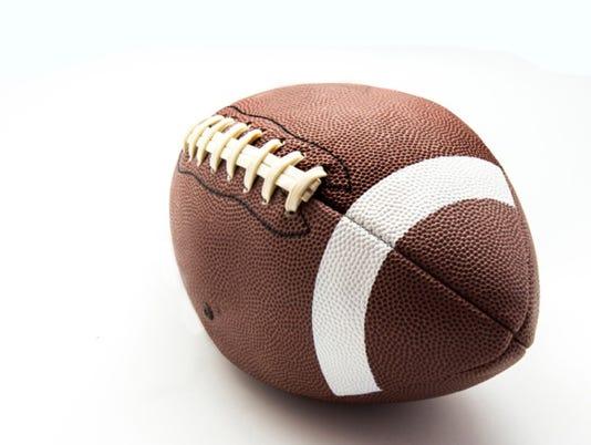 635491003915105885-football1
