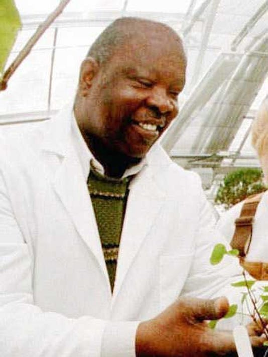 dr cyril broderick cropped