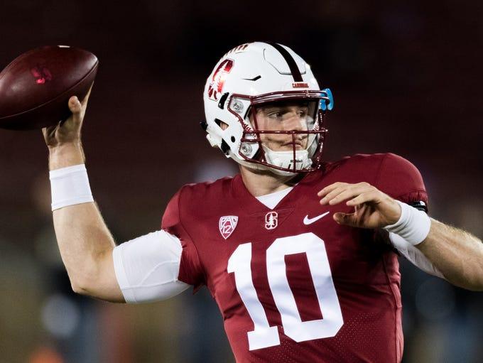 Stanford Cardinal quarterback Keller Chryst (10) passes