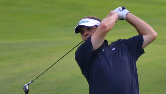 A 9-under 62 at Siwanoy by Matt Dobyns on Wednesday in the second round of the Lincoln Met PGA Championship was one shot off the course record.