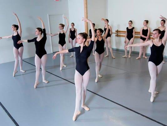 Chronicle 01_09 ballet.jpeg