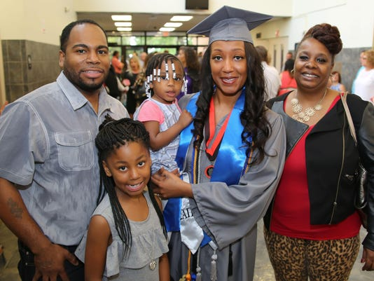 Keonya Milam and family (1 of 1)