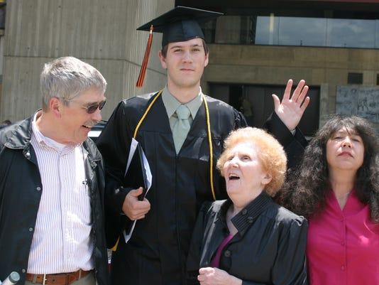 Mom-and-family-2009.jpg