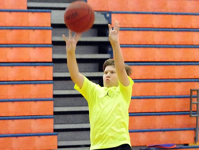 PHOTOS - Cougars, WHBH host basketball camp