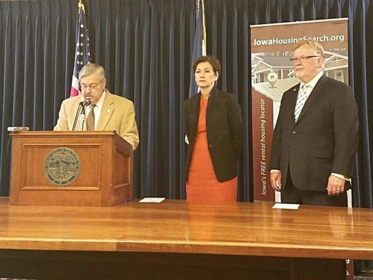 Then Gov. Terry Branstad, Lt. Gov. Kim Reynolds and