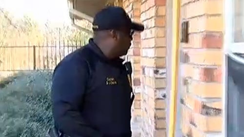HPD officer tries serve warrant