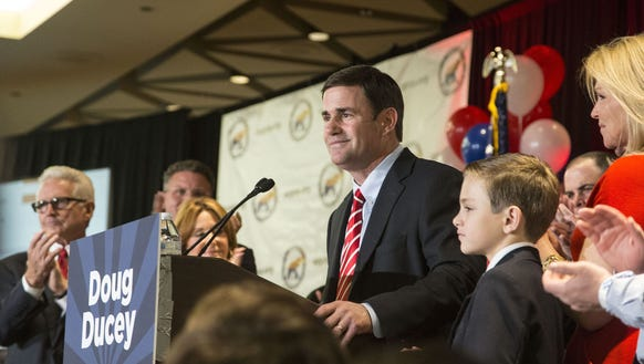 Critics use Ducey's enthusiasm about greeting the Pope