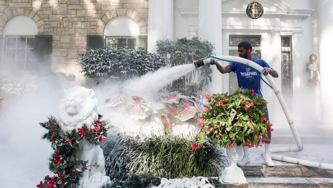July 19, 2018 - Justin Kelley works to transform the grounds around the mansion at Graceland into a winter wonderland for the filming of the Hallmark ChannelÕs new movie, ÒChristmas at Graceland.Ó
