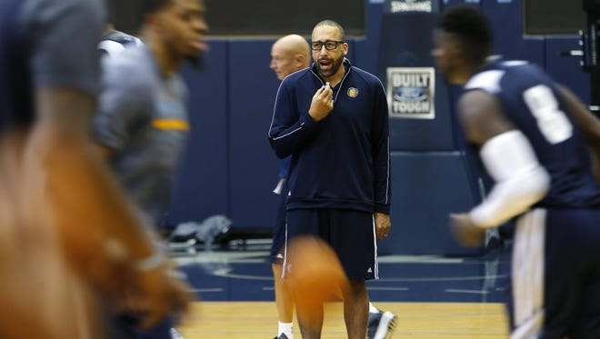 September 27, 2016 — Memphis Grizzlies head coach David Fizdale communicates with the players during the first day of Memphis Grizzlies training camp. (Mike Brown/The Commercial Appeal)