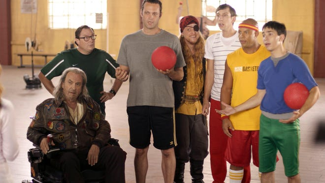 (L-R) Rip Torn, Stephen Root, Vince Vaughn, Alan Tudyk, Joel Moore, Chris Williams and Justin Long in a scene from the motion picture Dodgeball: A True Underdog Story. --- DATE TAKEN: Rec'd 06/04  By Tracy Bennett   20th Century Fox        HO      - handout   ORG XMIT: ZX21382