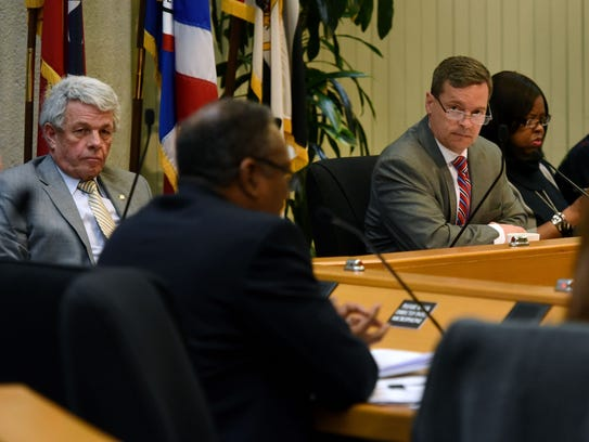 The Knox County Ethics Committee voted unanimously