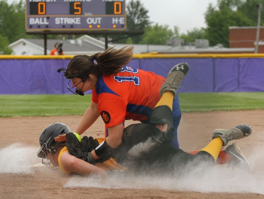 Colonel Crawford's Stephanie Huggins dives back to