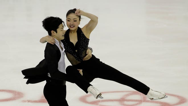 Maia Shibutani and Alex Shibutani perform during the short dance competition at the U.S. Figure Skating Championships Friday, Jan. 20, 2017, in Kansas City, Mo. (AP Photo/Charlie Riedel)