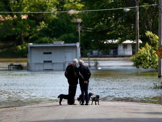 636291773706597334-tBranson-flooding00326.jpg
