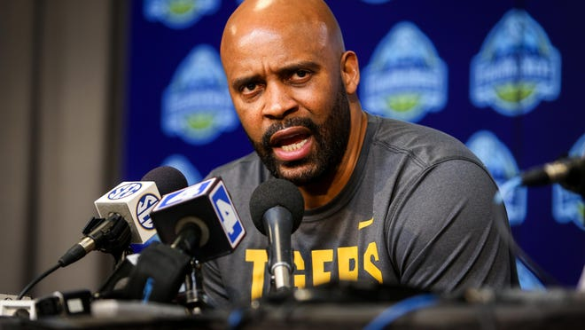"Missouri head men's basketball coach Cuonzo Martin: ""I am a husband, a parent and a leader of inspiring young black men. We shouldn't have to live in fear -- enough is enough. While I'm on this earth, my voice won't be silent until the injustice stops."""