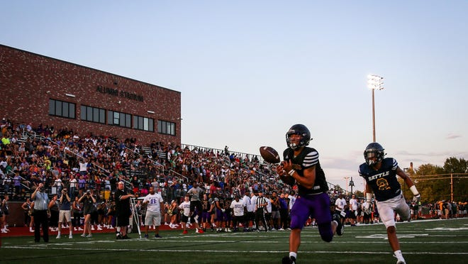 Hickman and Battle play in front of a large crowd during a preseason jamboree in 2018 at Hickman High School. Stands will be nowhere near as full when Columbia Public Schools teams open the season Friday night.