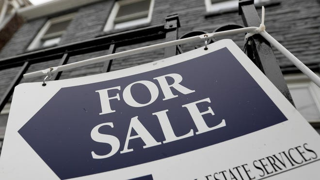 A total of 2,456 houses sold in Rhode Island in April, May and June in 2020, compared to 3,060 in the same period last year.