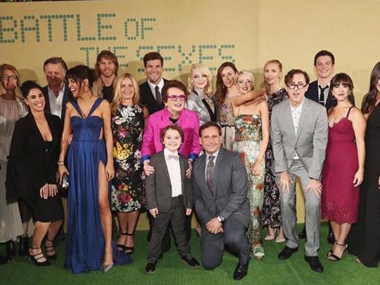 Lauren Kline with the cast of Battle of the Sexes.