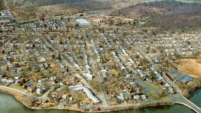 Aerial photograph of Pompton Lakes with DuPont plant in background from January 2010.