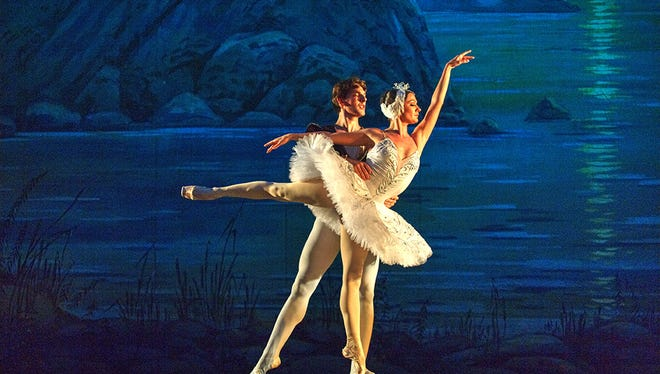 The four acts of the original Swan Lake ballet were compressed into three for this rendition without a compromise on the plot, presenting a beautiful romantic tale that was very well-received by the audience.