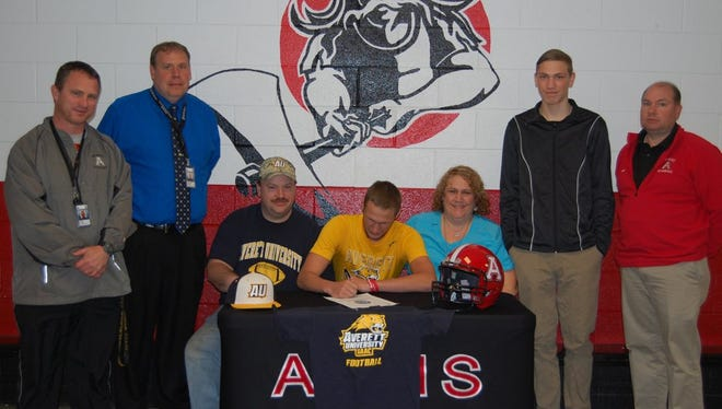 Avery County senior defensive back/wide receiver Brent Hammer has finalized his commitment to play college football for Averett (Va.).