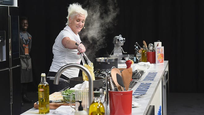 Food Network star Anne Burrell will host the 2017 Meals on Wheels celebrity chefs' brunch at the DuPont Country Club.