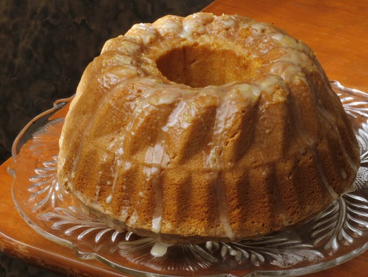 Lemon Cake With Pudding And Sprite