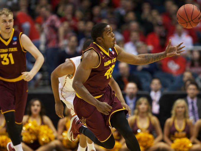 Arizona State Sun Devils guard Shaquielle McKissic (40) chases down a loose ball during the second round of the 2014 NCAA Tournament against the Texas Longhorns at BMO Harris Bradley Center.