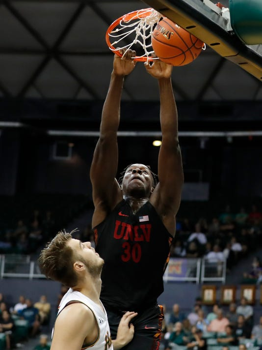 UNLV_Hawaii_Basketball_16666.jpg