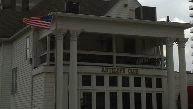 The Antelope Club was serving Yuengling beer early and apologizes.