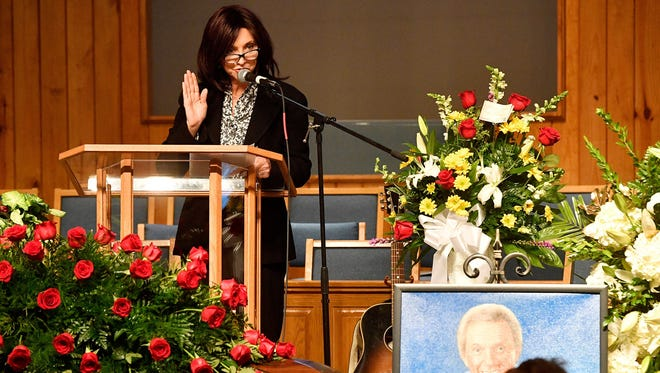 Pam Tillis, daughter of country music star Mel Tillis, speaks at his funeral at Mount Hermon Baptist Church on Monday, Nov. 27, 2017, in Clarksville, Tenn. Tillis, one of country music's most beloved entertainers, was a member of the Country Music Hall of Fame and Grand Ole Opry.