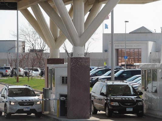 -airportparking03.jpg_20140505.jpg