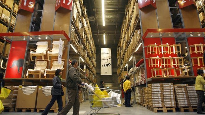 Ikea, which is facing increasing competition, plans to expand its online offerings globally. Currently, the world's largest furniture retailer offers online shopping in only 13 of the 27 countries in which it has stores and has in-store pickup for Internet purchases in just one country.