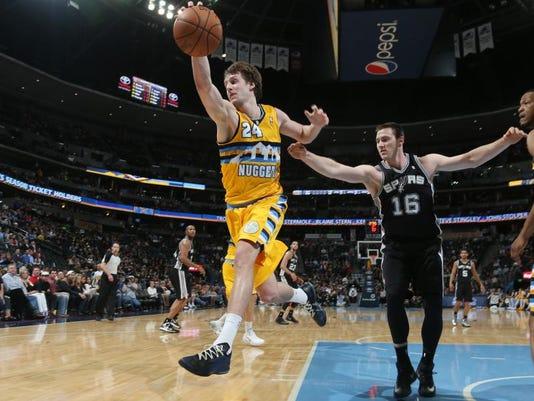 Spurs Nuggets Basketball (3)
