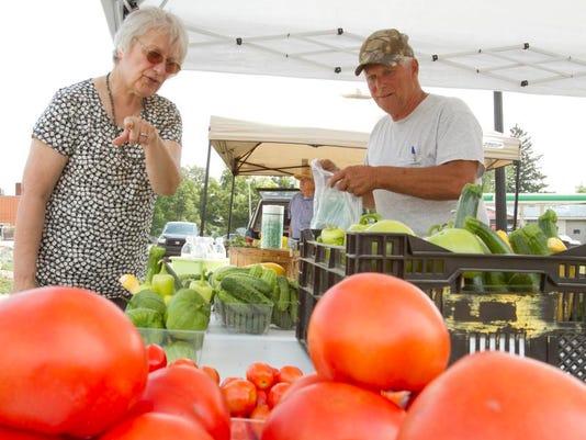 Fowlerville farmers market_01.jpg