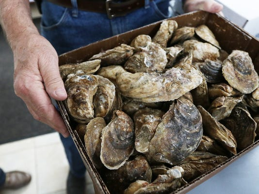 636495509187898297-120117-Oysters-HM-005.jpg