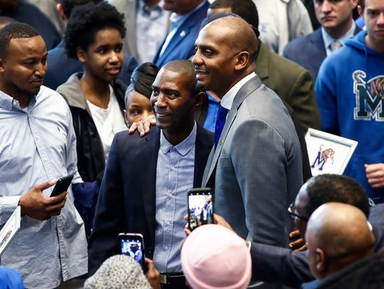 "Anfernee ""Penny"" Hardaway smiles while taking a picture"