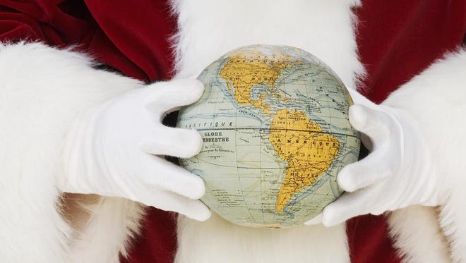 Americans spent $703 per capita in 2013 on Christmas gifts.