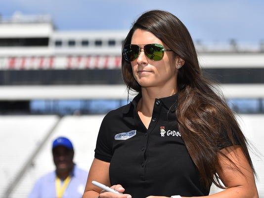 NASCAR: New Hampshire 301-Practice