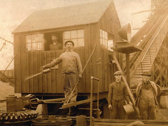 """Railroad employees at the Lehigh Valley Railroad """"coal"""