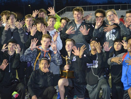 The Lakeview boys put up nine fingers after winning
