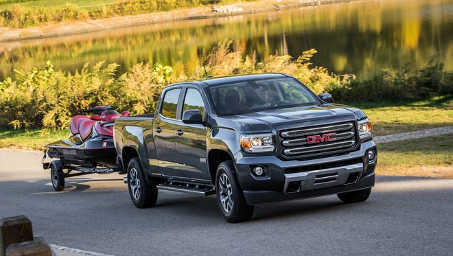 The four-wheel-drive Canyon's 7,600-pound towing capacity tops the Frontier by 1,500 pounds.