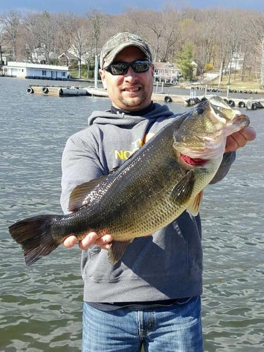 Potential record bass caught on lake hopatcong for Fishing lakes in nj