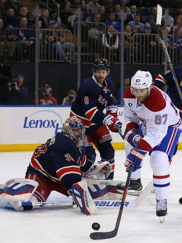 Montreal Canadiens left wing Max Pacioretty tries to