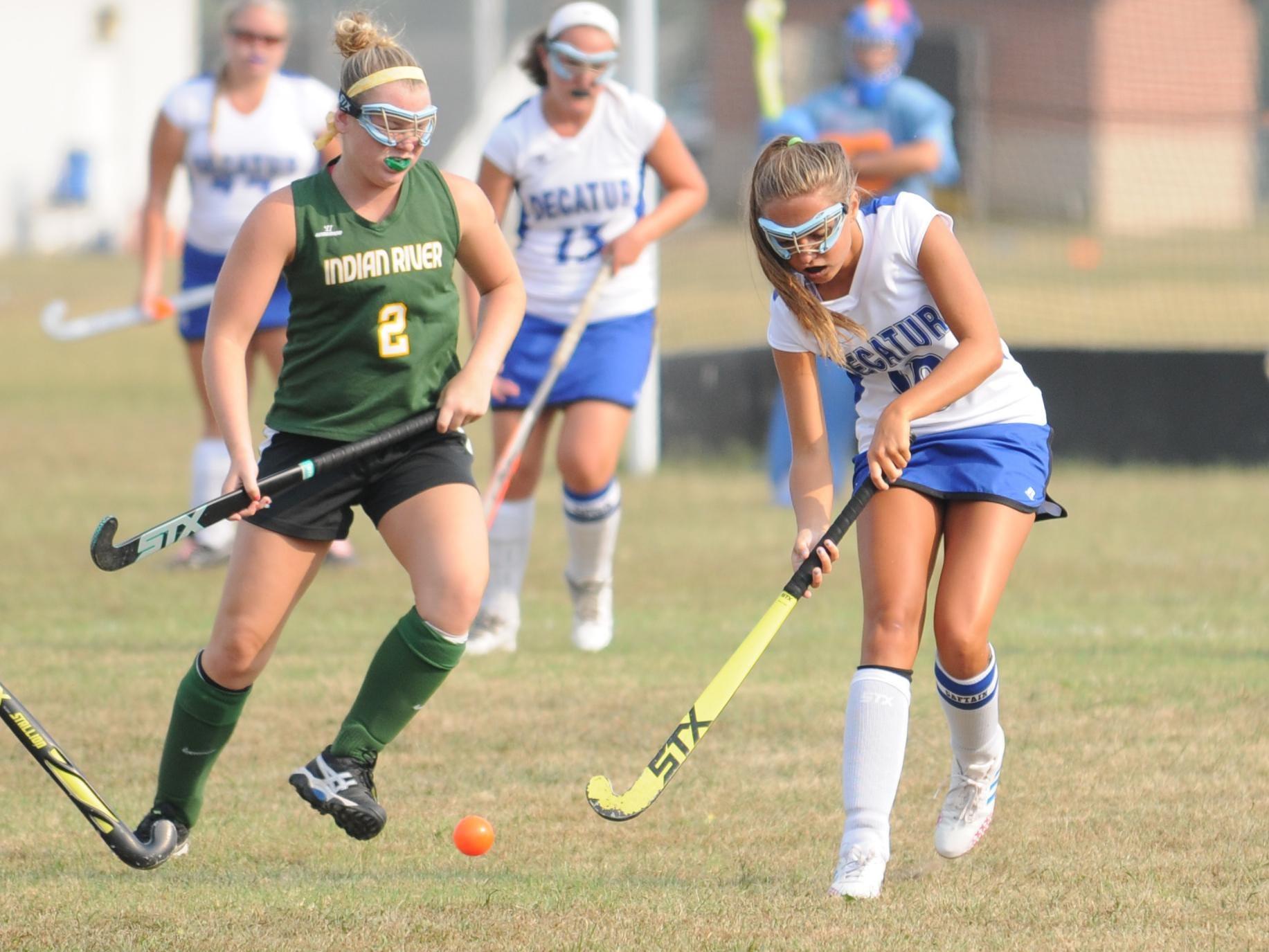 Stephen Decatur forward Olivia Kurtz works up the field against Indian River.