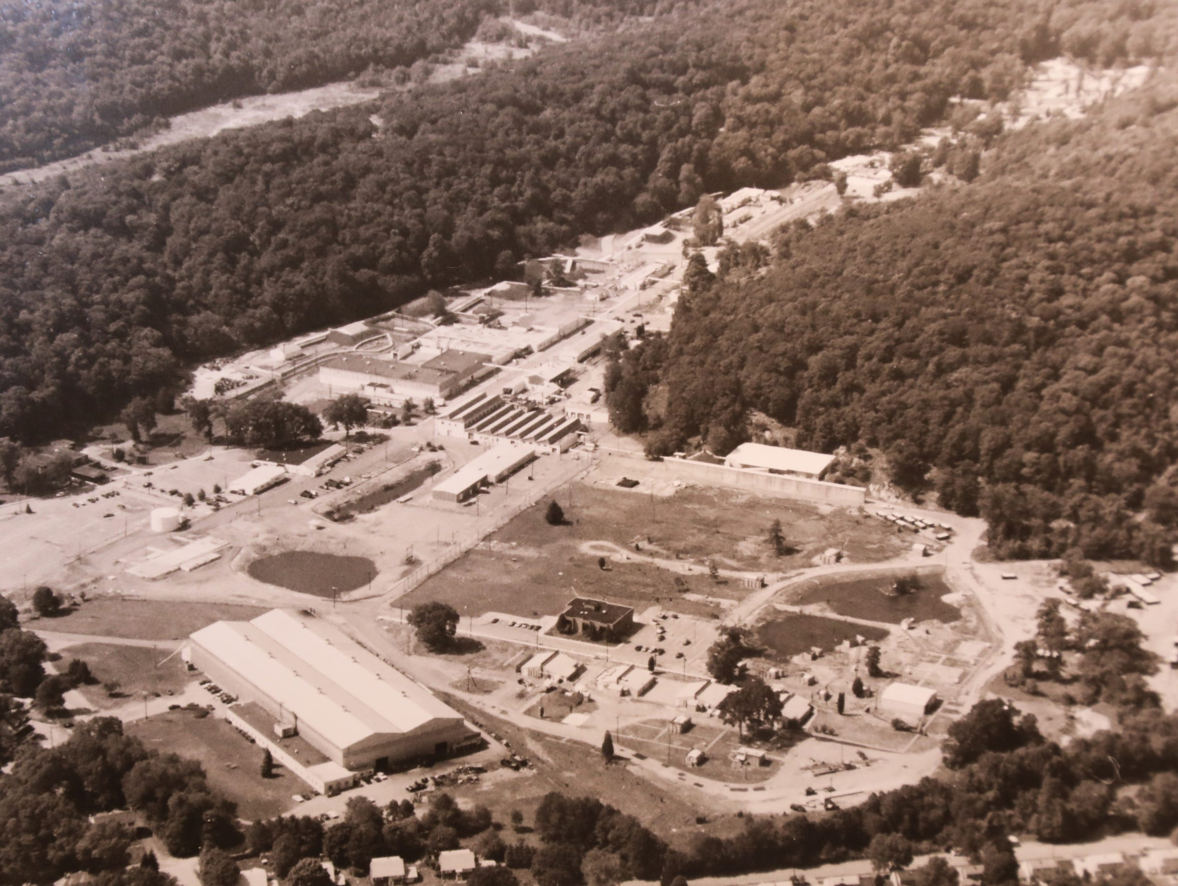Aerial photo of the DuPont plant in Pompton Lakes in 1991.