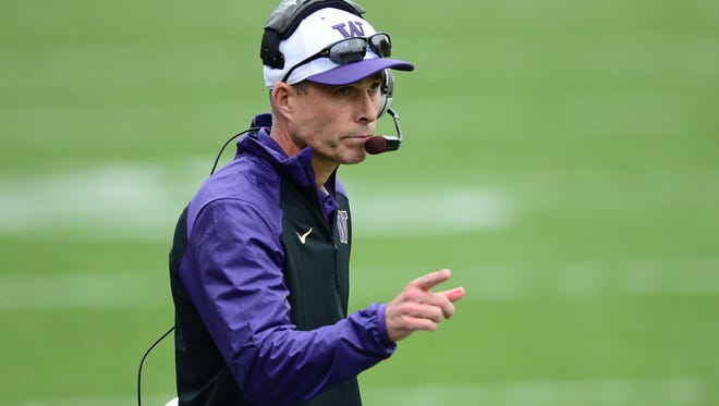 Washington Huskies head coach Chris Petersen reacts to a touchdown in the second quarter against the Colorado Buffaloes in Boulder, Colo., on Nov. 1.